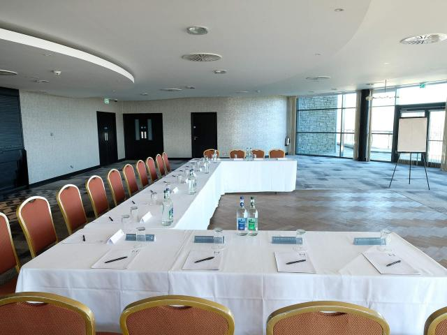 Business Meeting Room - U-Shape